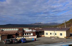 Funäsdalen skola renoverades och nyinvigdes 2013. Idag räcker lokalerna inte till utan det är provisoriska moduler som kommer att placeras ut.