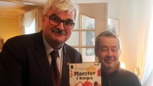 Hallstavikförfattaren Kalle Güettler fick igår Islands litteraturpris för