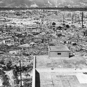 Ruinerna efter atombombningen av Hiroshima  6 augusti 1945. Foto: US government