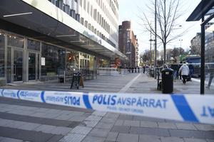 I fredags var det skottlossning på Fridhemsplan på Kungsholmen i centrala Stockholm. Ingen är ännu gripen.  Foto: Pontus Lundahl