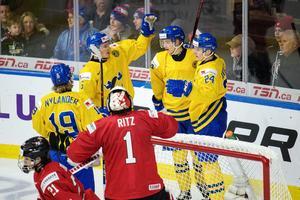 Sju gånger fick Juniorkronorna jubla efter mål i matchen mot Schweiz. Bild: Joel Marklund/Bildbyrån