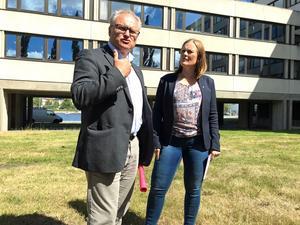 Glenn Nordlund (S) och Sara Nylund (S) propagerar för satsning på primärvård.
