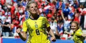 Lina Hurtig nickade in 4–0 till Sverige mot Thailand.
