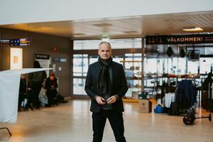 Johan Rheborg på Västerås flygplats. Foto: Martin Bohm