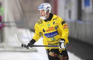 Jonas Nygren fick hjälpas av isen i första halvlek, men det handlar sannolikt