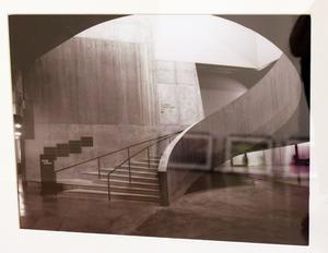 Svartvita bilder finns också på utställningen.
