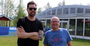 Niklas Ohlson och Per Roslund har det mesta klart för Härjedalen Expo nästa helg. Redan på pingstafton körs ett preparty i evenemangstältet.– Eftersom det var uppbyggt så gör vi en smygstart, säger de.