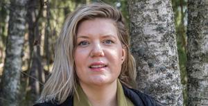 """""""Jag vill använda mina privilegier och resurser till att sparka in stängda dörrar, krossa glastak och skapa utrymme för en mer jämlik fördelning av makt"""" säger Angelica Andersson."""