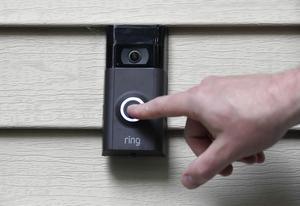 Amazons ansiktsigenkänning används på deras digitala dörrklockor och delas med polismyndigheter. Foto: AP Photo/Jessica Hill.