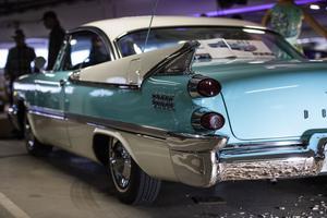 Rejäla fenor var ett måste på slutet av 50-talet. Något som denna Dodge Custom Royale från 1959 vittnar om.