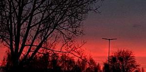 Två kvällar i rad har man fått uppleva vackra solnedgångar. Foto: Magdalena Alm Borlänge.