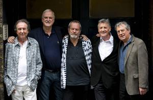 Eric Idle, John Cleese, Terry Gilliam, Michael Palin och Terry Jones i London, där de återförenas för sista gången. (Graham Chapman, gruppens sjätte medlem, avled 1989.)