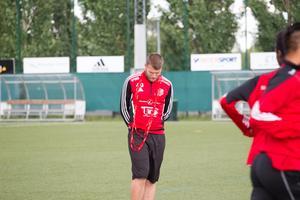 Spelande tränare Rigest Hysko kände inte igen sitt lag i andra halvlek mot Sandvikens AIK.