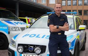 Robert Wallén, chef för polisområde Västmanland, är bekymrad för polisverksamheten i och med Kriminalvårdens beslut. – Det här har kostat mycket för vår verksamhet, säger han. Foto: Polisen