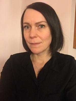 Maja Rundström berättar att hon är väldigt glad för att hon inte sov den aktuella natten, så hon upptäckte branden i tid.