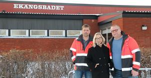 Thony Eriksson, Johanna Skottman och Jan Helghe är nöjda över att ha fått tillbaka kontrollen över Ekängsbadet.