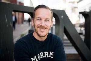 Joakim Ludvigsson driver fastighetsbolaget Blåvik invest som har 22 lägenheter i Bjästa.