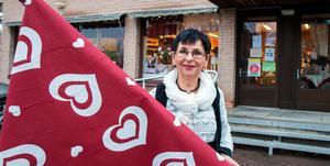 Anna-Maj Malmberg  stänger sin drömbutik. I 28 år har hon drivit Gardinstugan i Skogsbo men i januari så låser hon dörren för sista gången och går hem.
