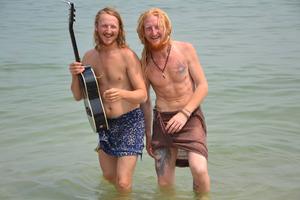 Efter nästan ett år var Mathias och Tommie framme i Thailand. I Thailand möttes de upp efter någon månad på varsitt håll. Foto: Privat