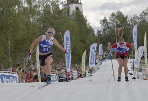 Maja Dahlqvist, Falun-Borlänge vinner Idresprinten före Maria Nordström, gävletjejen som tävlar för Borås.