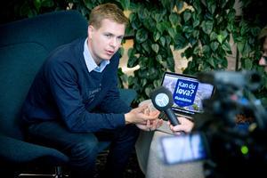 Miljöpartiets språkrör Gustav Fridolin lyfter klimat och miljö i Mittmedias partiledarintervju.