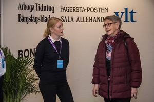 Chefredaktör Julia Engström i samtal med Inez Karlsson.