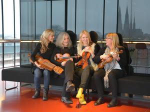 Spelstinor utlovar ett fritt och otyglat program. Från vänster Josefina Paulson, Carina Normansson, Erika Lindgren Liljenstolpe och Åsa Andersson.Foto: Gunnar Paulson