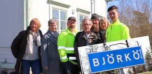 Karin Wahlström, Nina Boström, Daniel Toresson, Jerker Persson, Jonas Blomqvist, Lena Svenonius och Benjamin Shahzad vid hembygdsgården.