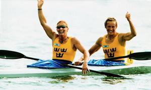 Susanne Gunnarsson och Agneta Andersson vinner OS-guld i Altlanta, 1996. Distansen är K2/500 meter. Foto: TT
