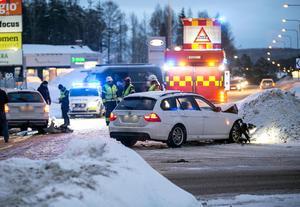 Olyckan inträffade utanför Björkmans Bil på Ingarvet.