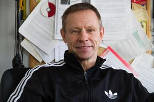 Idrottsläraren Alexander Zinkevitch på Alfaskolan ser att det finns problem, men har en positiv syn på framtiden för Fagerstas elever.