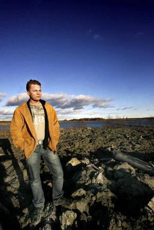 Johnny Ollikkala tycker att Gävle strand behöver ett exotiskt hotell vid sandstranden med vajande palmer.– Det skulle bli unikt för Sverige och dra hit turister, säger han om sitt medborgarförslag.