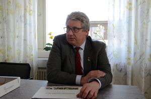 Kommunalrådet Hans Unander (S) reflekterade inte på att man sålde olagliga alkoholdrycker på födelsedagskalaset.