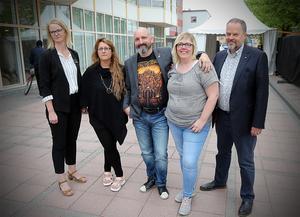 Ida Stafrin (C)(, Anna Strand Proos (M), Jon Björkman (V) , Malin Svanholm (S) och Jan Sahlén (S). Fyra partier som är överens om hur rambudgeten för 2020 ska se ut.
