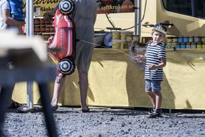 Fyraåriga Nik Svärd tyckte bäst om karusellerna, särskilt de med bilar.