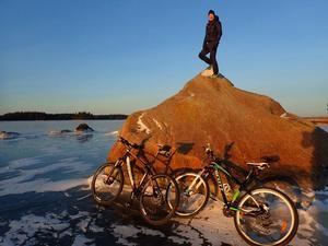 Under en cykeltur kunde paret avnjuta soluppgången över Sandskär.