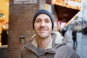 """Erik Fredriksson, 34, företagsrådgivare, Bergvik: """"En ny bostad. Jag måste flytta den första februari och jag har ingen ny."""""""