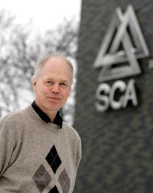 Informationschefen Björn Lyngfeldt på SCA  var med om att se till så att det städades upp efter dumpningen av farlig jord.