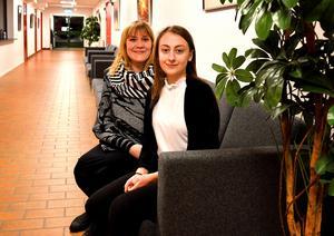 Karin Sandberg och Felicia Hedin blev årets kulturpristagare respektive ungdomskulturstipendiat i Säter.