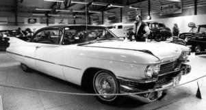 En Cadillac Coupé de Ville -59 på veteranklubbens utställning 1987.