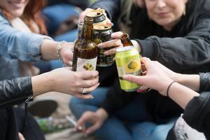 Valborg är ett tillfälle då många ungdomar festar och dricker alkohol, kanske för första gången.Bild: Fredrik Sandberg /TT