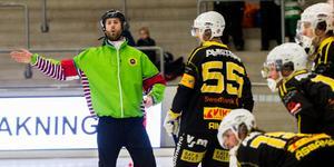 Robert Rimgård och domaren Andreas Svensson kom inte alltid överens.