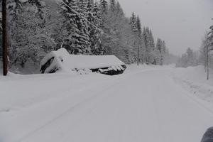 Lastbil i diket på väg 311 norr om Sälen.