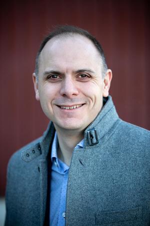 Fredrik Jarl och hans C vill återgå till en form av den kommunstyrelseledda utskottsstyrning som fanns i Gagnef före valet 2014.