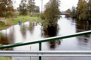 Så här såg Harmångersån ut 2001. Bild: Sverker Söderström/ST arkiv