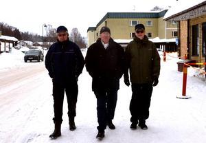 Örjan Andersson, Börje Stenqvist och Lars Göran Ekström i Matfors Byavakt som hotas av nedläggning.