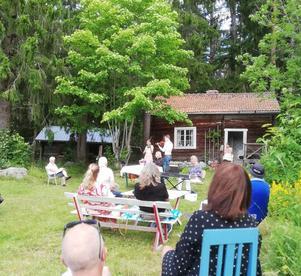 Det var några trevliga timmar på Idfjärdens fäbodvall. 50 personer kom till den idylliska fäbodvallen.
