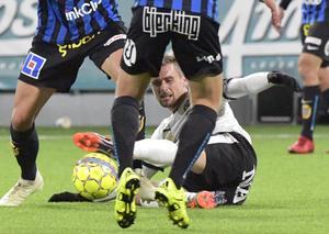 Filip Rogic var frustrerad i 0–0-matchen hemma mot Sirius och blir avstängd mot Trelleborg nästa måndag. Foto: Conny Sillén/TT