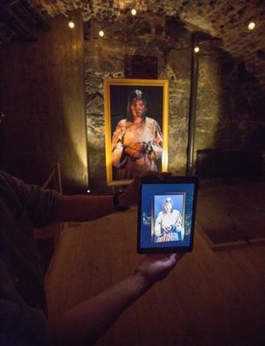 Olof Feets hustru satt fängslad som häxa på Örebro slott en gång i tiden. Här berättas hennes historia med hjälp av AR-teknik.