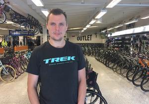 Anders Claeson tror att tjuvarna har besökt butiken tidigare och noga planerat inbrottet.